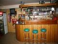 selena-dombai_pit-bar_01